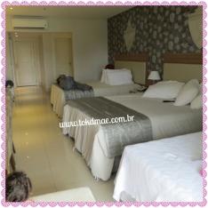 Quarto amplo contendo 3 cama, duas de casal e uma de solteiro
